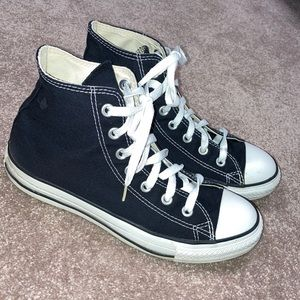 Chuck Taylor converse black high tops size 6